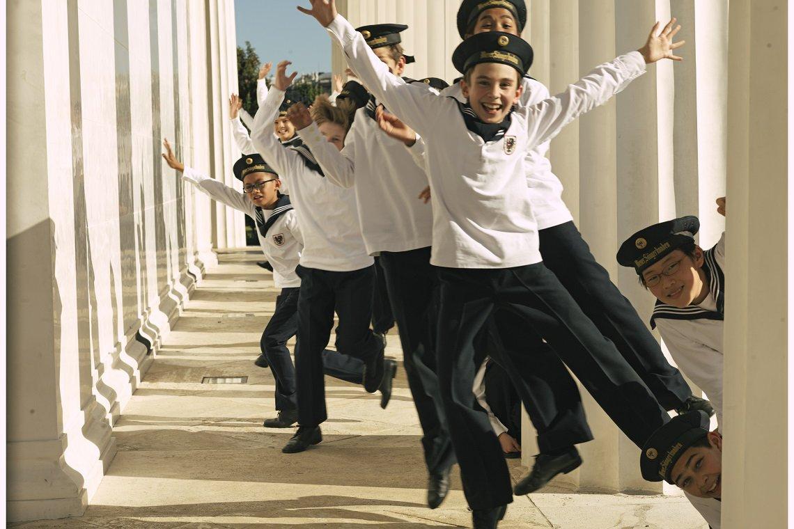 Enorme éxito-Los Niños Cantores de Viena