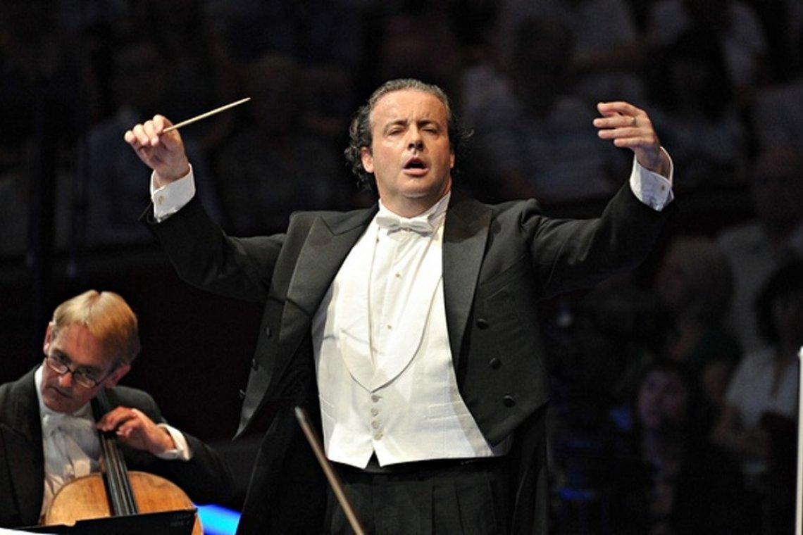 London Philharmonic-Mena-Perianes