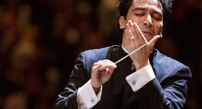 Filarmónica de Viena, Orozco Estrada y Perianes