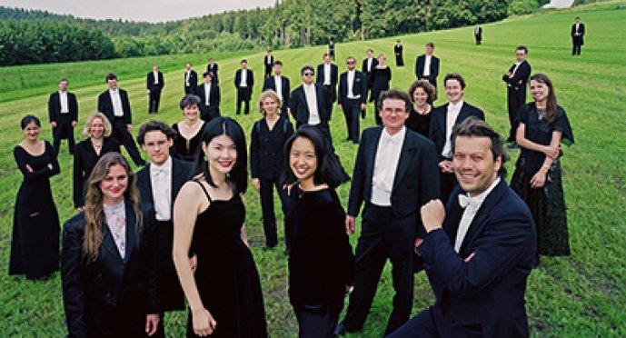 Guttenberg conducts Bach's St. Matthew's Passion
